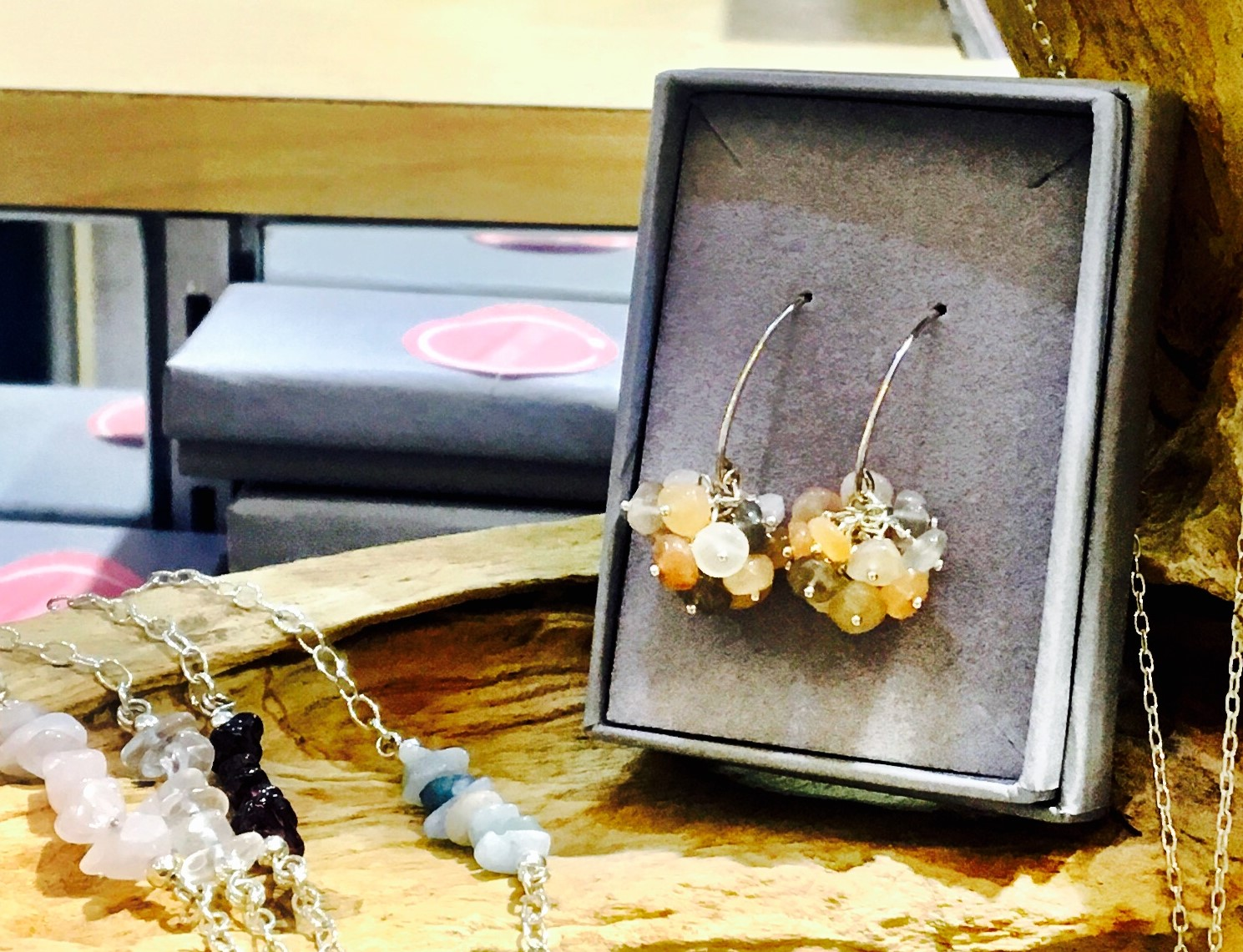 "Friday Arts and Craft Club - Jewellery Making Workshop (1/4), ""Gemstones Bar and Cluster Earrings"""