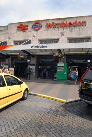 Controlled explosion at Wimbledon station