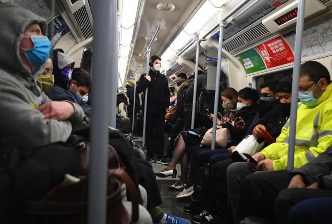 Commuters on the Jubilee Line this morning (Victoria Jones/PA Wire)