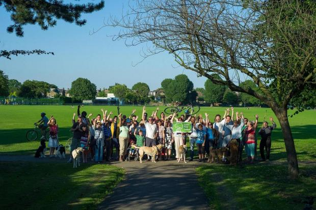 Friends of Dundonald celebrate the Rec's Green Flag award
