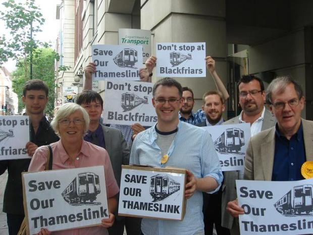 Hundreds back petition against plans to terminate Thameslink trains at Blackfriars