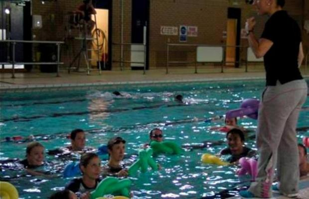 Wimbledon teachers hit the pool to help get kids swimming