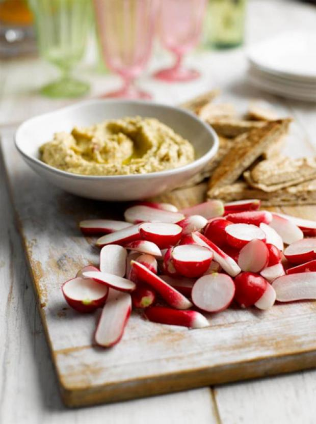Recipe: Toasted garlic hummus with radishes and pitta bread