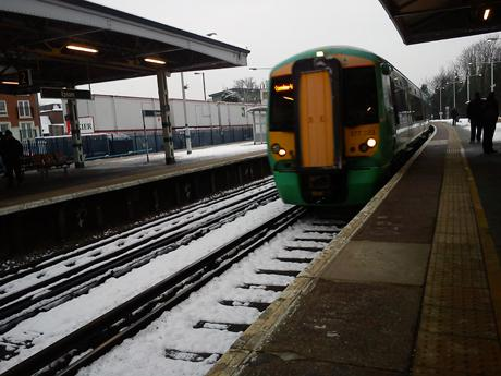 'Wrong type of snow' damages Southern trains