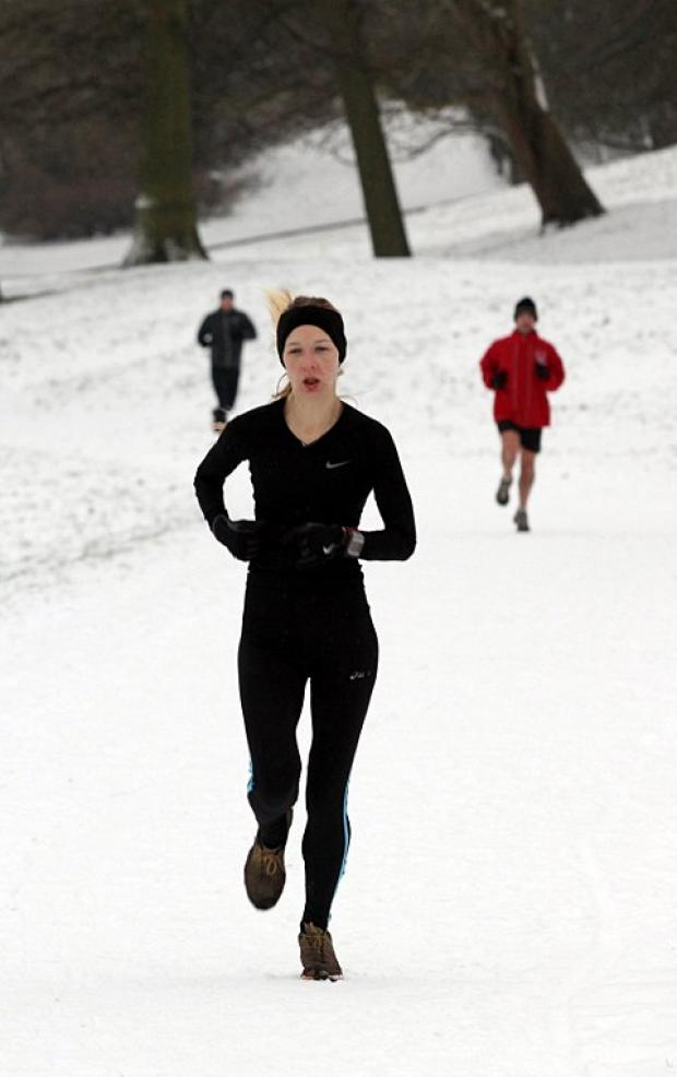 Wimbledon Guardian: Winner: Kim Hainsworth of Dulwich Runners won the women's race at the Crystal Palace parkrun   SP73439