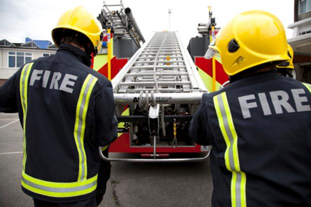 Fire crews called to smell of smoke in Pollards Hill flats