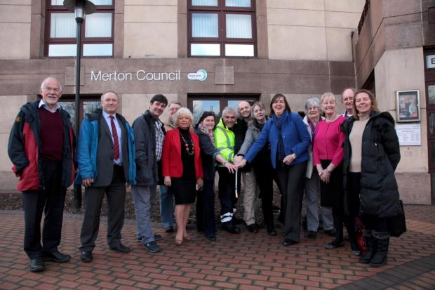 Councillors and campaigners join forces for the Big Merton Spring Clean