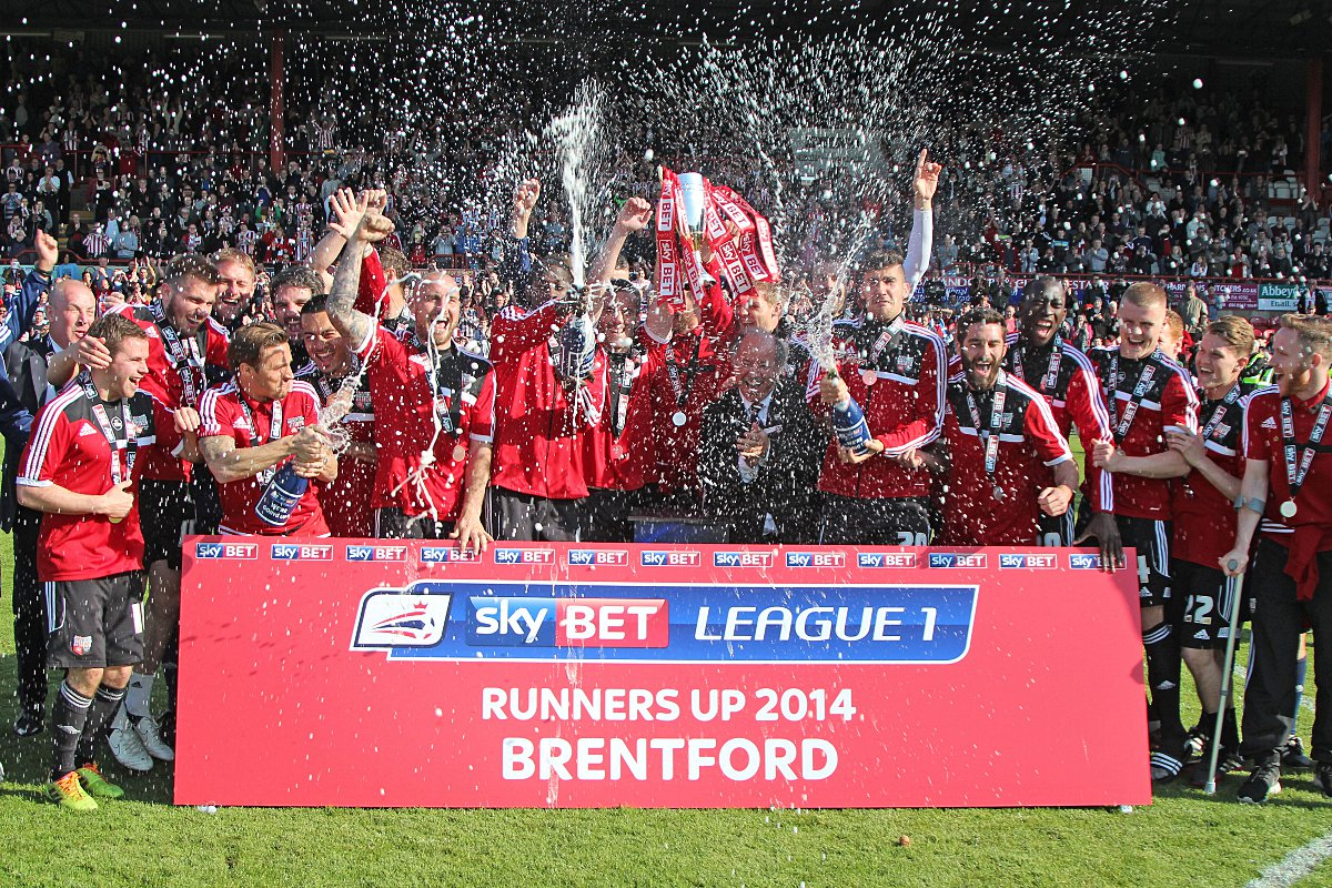 Brentford celebrate promotion with final day win
