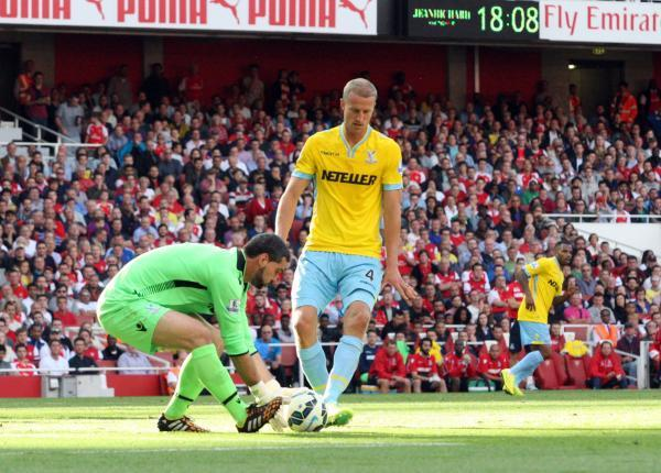Hangeland at Arsenal on Saturday