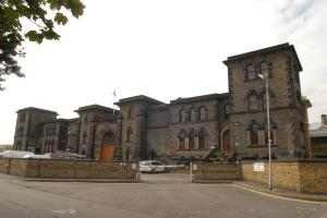'Unacceptable overcrowding' and 'severe staff shortages' inside Wandsworth Prison