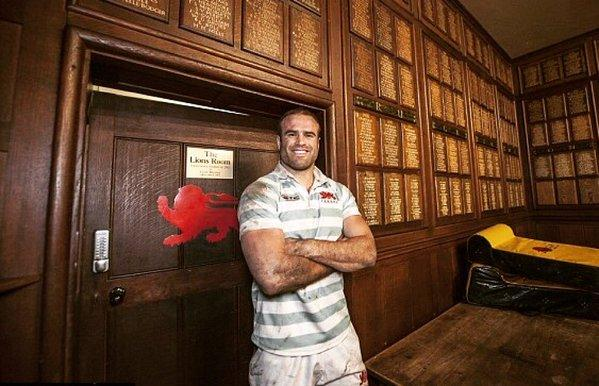 Tough challenge: Scottish new George Cullen had to deal with the threat of Jamie Roberts during the Varsity clash last year