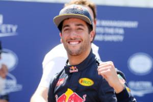 Daniel Ricciardo commits future to Red Bull amid reported Ferrari interest