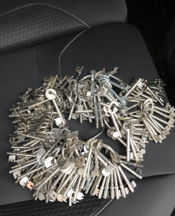 Are these your keys? Appeal to find owner of these keys left in Wimbledon