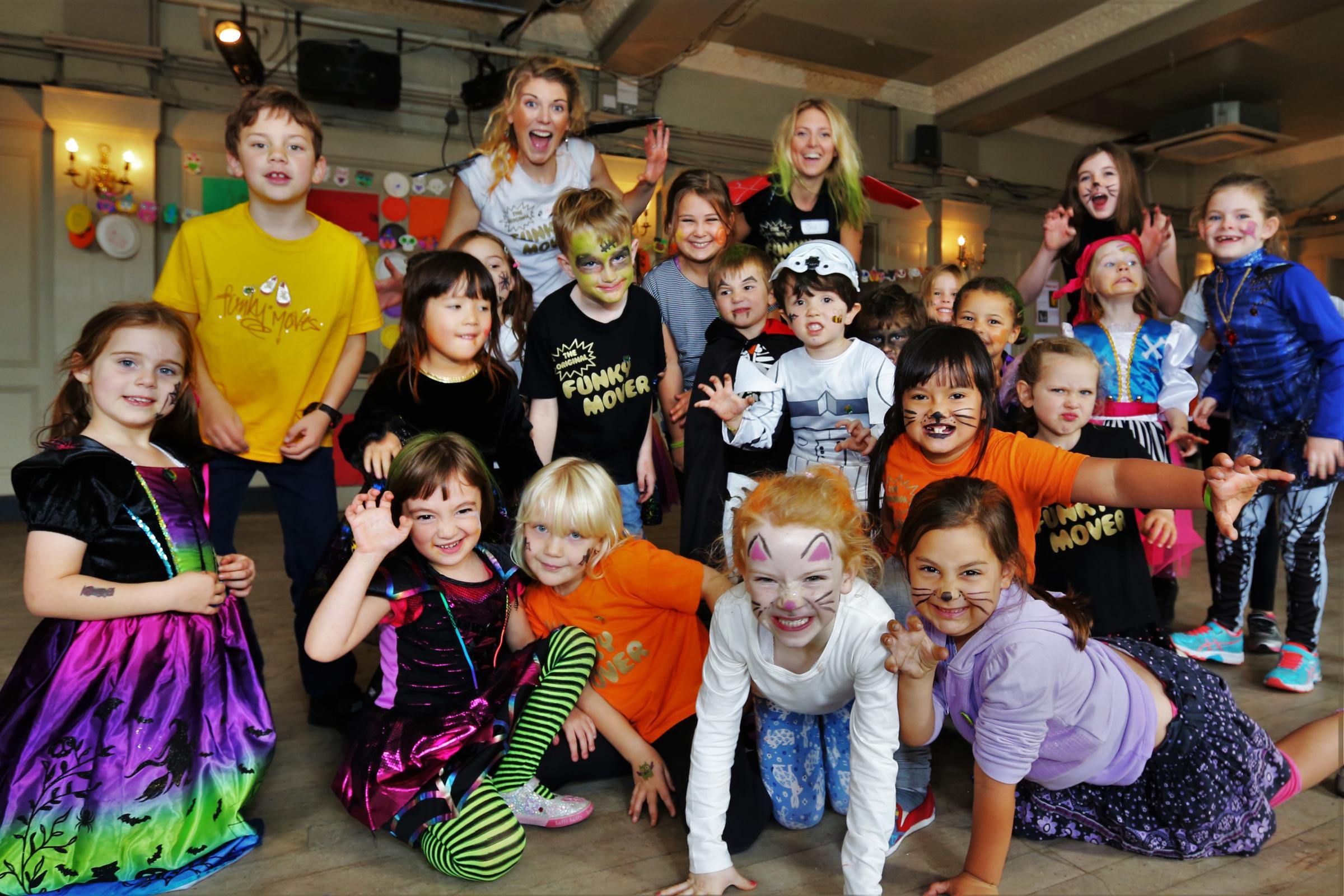 Dance & Art Holiday Course with Award-winning Funky Moves!