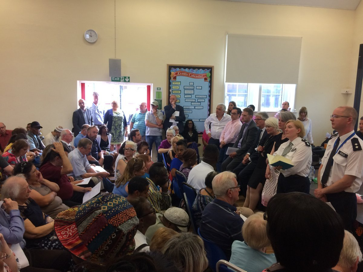 MP Siobhain McDonagh organised a meeting which was attended by police and public about antisocial behaviour in Mitcham.