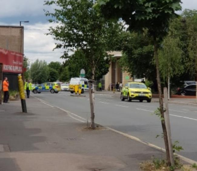 Man dead after being hit by police car in Mitcham | Wimbledon Times